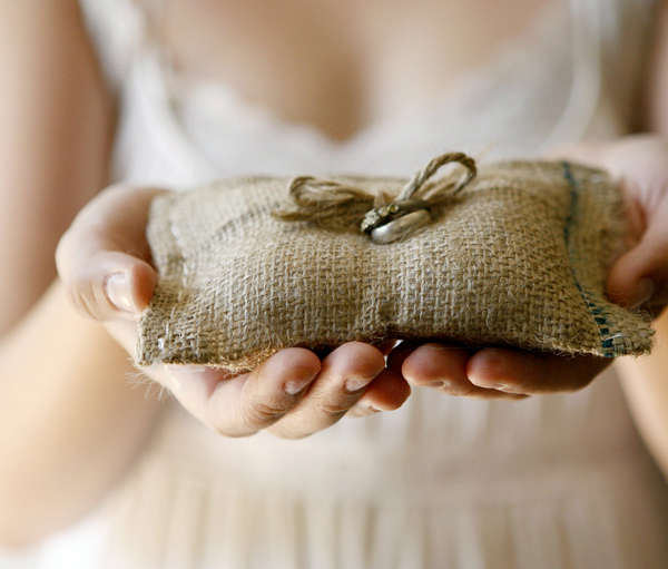 etsy-rustic-burlap-wedding-ring-bearer-pillow